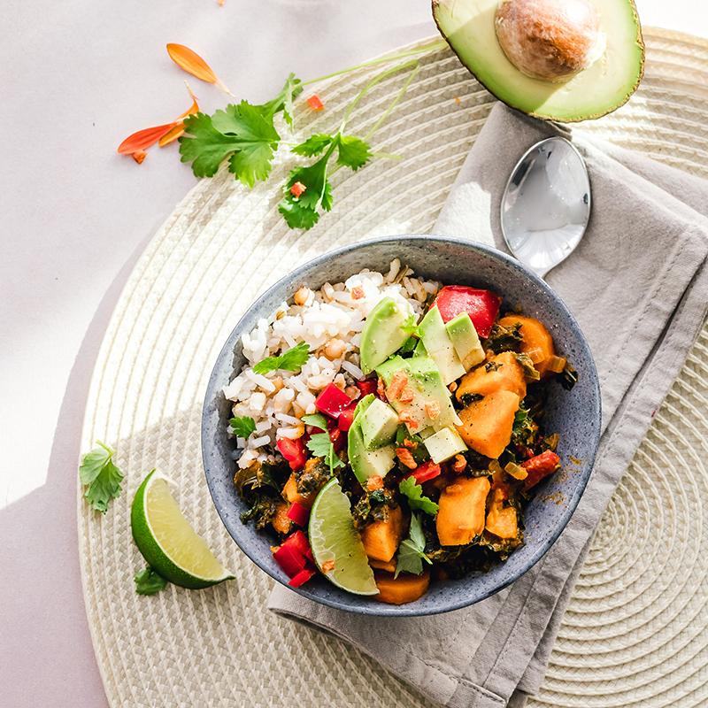 Vollwertig Pflanzliche Ernährung mit Bowls